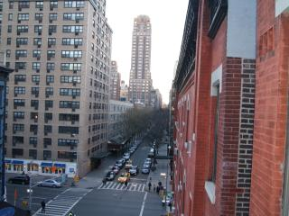 EAST SIDE 1 BEDROOM APARTMENT - NEAR CENTRAL PARK - New York City vacation rentals