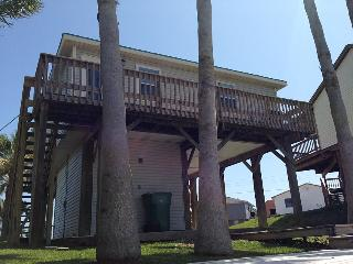 Surfside Beach, TX, Dolphin Lane Canal/Beach House - Surfside Beach vacation rentals