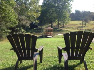 A Cottage At Willow Pond~17 Acres~Horses~Hot Tub - Asheville vacation rentals