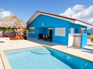 Villa Blou Curacao, with private pool, and car, rent direct from owner - Willibrordus vacation rentals