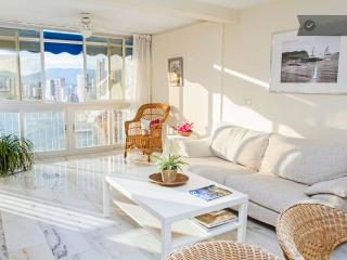 Luxurious, seafront and 3 bedrooms - Benidorm vacation rentals