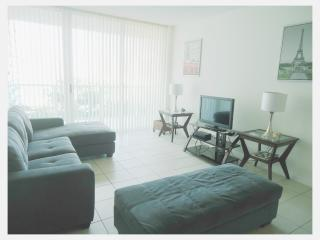 5 Star Condo - 1 Block to Beach - The Best Place!! - Sunny Isles Beach vacation rentals
