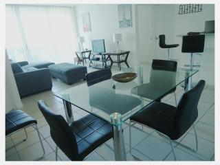 STANDARD AND COZY APART. 2 BEDROOMS - Sunny Isles Beach vacation rentals