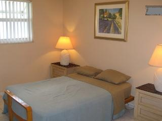 (Kiara) 1 Room 1 Bath Dania Beach FL. - Dania Beach vacation rentals