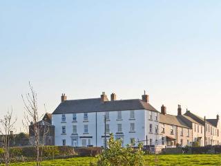 6 SEA LANE, en-suites, open fire, outstanding views, ideal for families, in Embleton, Ref. 20247 - Embleton vacation rentals