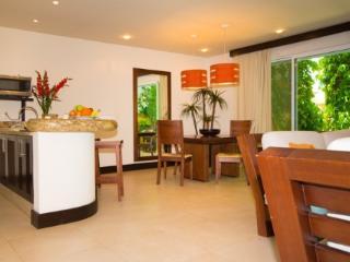 Pueblito Escondido 106 - Condo Riviera Maya - Playa del Carmen vacation rentals