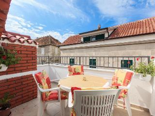 Julija house, center - Makarska vacation rentals