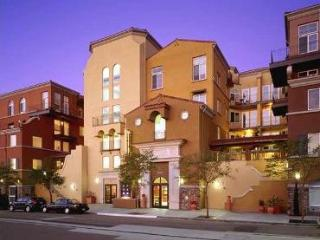 Chic Urban Loft Near Downtown San Diego - Pacific Beach vacation rentals