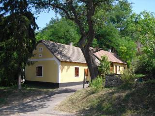 Vorosmarty house romantic cottage near to Balaton - Alsóörs vacation rentals