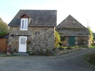 1 bedroom Cottage with Internet Access in Mayenne - Mayenne vacation rentals