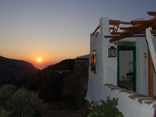 Cozy 2 bedroom Cottage in Sifnos - Sifnos vacation rentals