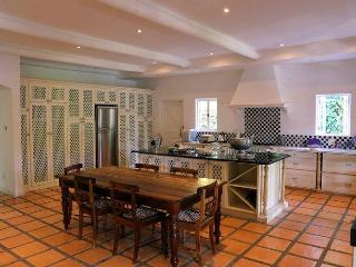 Le Villa Du Soleil - a luxury villa on main road - Franschhoek vacation rentals