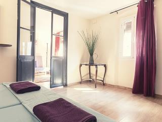 Romantic apartment for two people - Barcelona vacation rentals