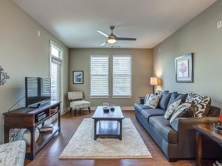 Stay Alfred Downtown Property Sleeps 7 1N3 - Nashville vacation rentals
