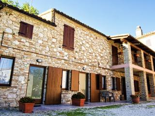 Residenza Sottobosco / Apartment Corbezzolo - Sarnano vacation rentals