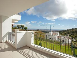 Modern apartment with spectacular views - Ojen vacation rentals
