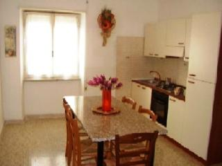 Pleasant apartment in Rome with parking - Rome vacation rentals