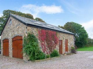 CORN MILL ANNEXE, romantic retreat, ample off road parking, lawned garden, beach 3 miles away, near Moelfre, Ref 26417 - Moelfre vacation rentals
