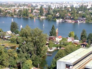 apartment2rent - UNO City - Panaroma - Vienna vacation rentals