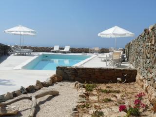 FOLEGANDROS  'LITHIA' - VILLA ELIA & POOL - Folegandros vacation rentals