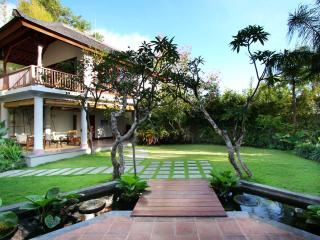 Luxury Hillside Villa with hanging Infinity Pool - Pecatu vacation rentals