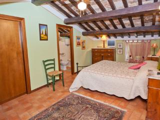 Spello - Heart of the medieval city center - Spello vacation rentals