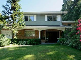 5bedroom 2,5bath house in Port Moody  30 min to Va - Port Moody vacation rentals