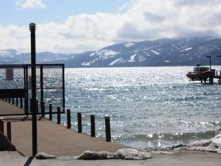 Boat House lakeview beach hot tub pool monthly ok - Tahoe City vacation rentals