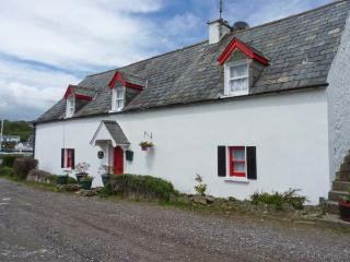 APRIL COTTAGE, all ground floor, next to harbour, near to beach in Kinsale Ref 24753 - County Cork vacation rentals