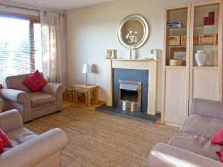 DORREY VIEW COTTAGE, single-storey property, well-equipped kitchen, ample off road parking, near Halkirk, Ref 5135 - Halkirk vacation rentals