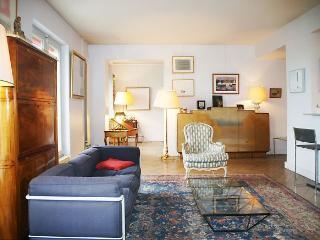 Louvre- 3 bedroom 3 bath with balcony (4344) - Paris vacation rentals