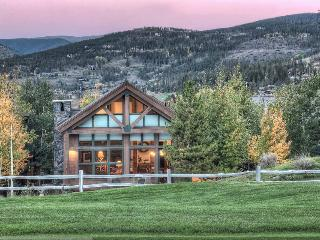 Pristine mountain home on golf course with hot tub, amazing mountain views(views, golf course) - Apres Ski Retreat - Breckenridge vacation rentals
