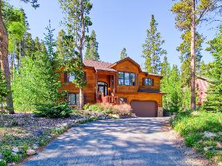 Beautiful wood furnished home, pet friendly, hot tub, fire pit, gondola parking passes  - Moose Tracks Lodge - Breckenridge vacation rentals
