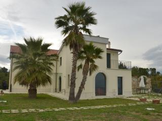 Beautifull Villa Lia with stunning sea view - Montedinove vacation rentals