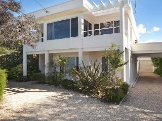 Seaclusion - exec property. Beach access 50 steps - Lake Conjola vacation rentals