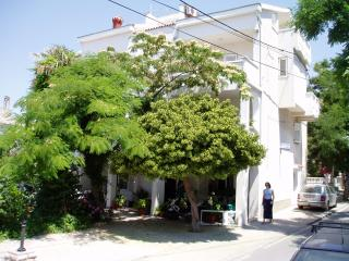 Cozy and warm apartment in Novalja center  for 5pax - Neve 2 (4+1)(ap3) - Novalja vacation rentals