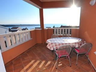 Jenny 2 (4+1 pax) comfortable 2 bedroom apartment - Novalja vacation rentals