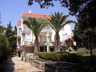 RADE 4 (3pax) - luminous apartment near the beach - Novalja vacation rentals