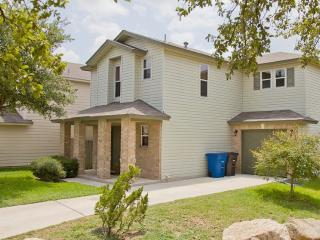 Close to Sea World & Lackland AFB. - San Antonio vacation rentals