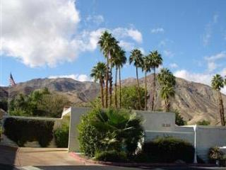 Quiet Retreat Near El Paseo w/ 2 relaxing Patios - Palm Desert vacation rentals