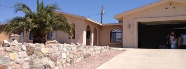 Fully furnished bungalow in sunny Lake Havasu! - Image 1 - Lake Havasu City - rentals