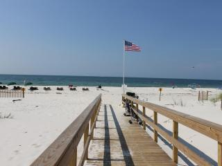 Close to Beach, Steps to Pool/Hot Tub 4BR/4BA, - Fort Morgan vacation rentals