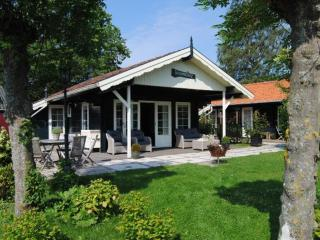 Charming cottages on the waterfront - Grou vacation rentals
