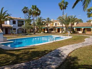 Bungalow  at the best beach.Denia. WIFI. - Denia vacation rentals