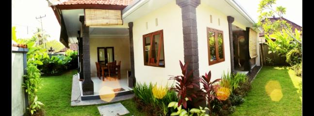 front garden and entrace - Chilli Bali Villa Canggu Pererenan - Mengwi - rentals
