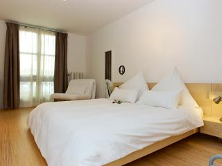 GetInBerlin am Kurfurstendamm apartment - Berlin vacation rentals