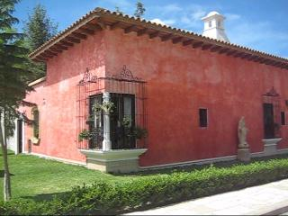 Casa Ocho (B) - Best Area in Central Antigua - Antigua Guatemala vacation rentals