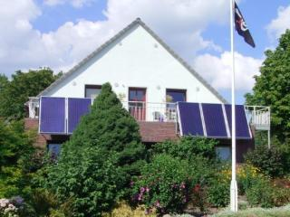 Vacation Apartment in Butjadingen - 538 sqft, family and kids friendly, modern and lovely furnished… - Butjadingen vacation rentals