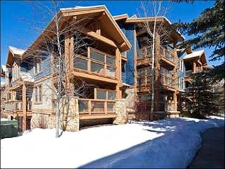 Wonderful Year-Round Retreat - Upscale Furnishings & Decor (25033) - Park City vacation rentals
