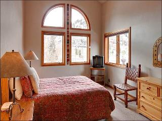 Spacious & Centrally Located Duplex - Newly Furnished (25325) - Park City vacation rentals